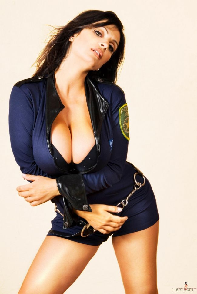 And tetona denise milani
