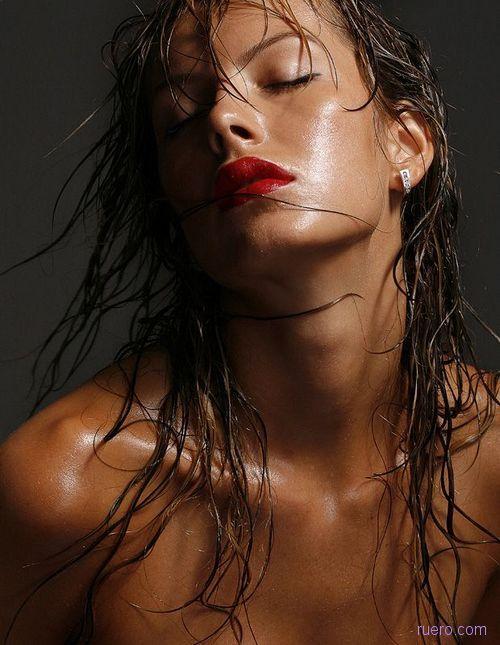 Эротическое фото влажные недоумок