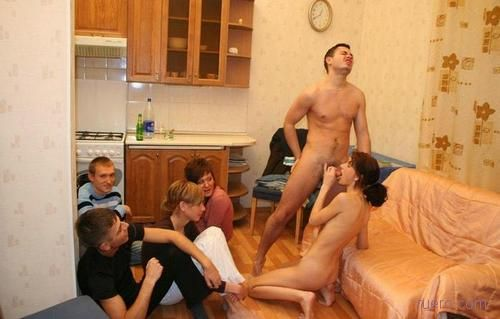 russkoe-porno-priglasil-v-kvartiru