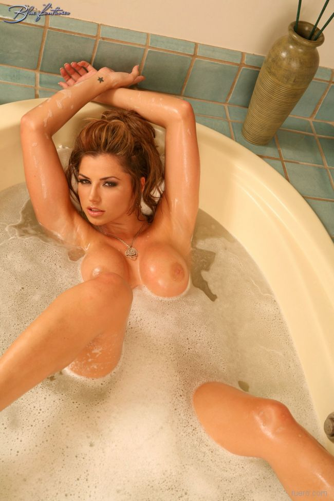 Louise glover bathroom nude video, amateur big natural tits sex