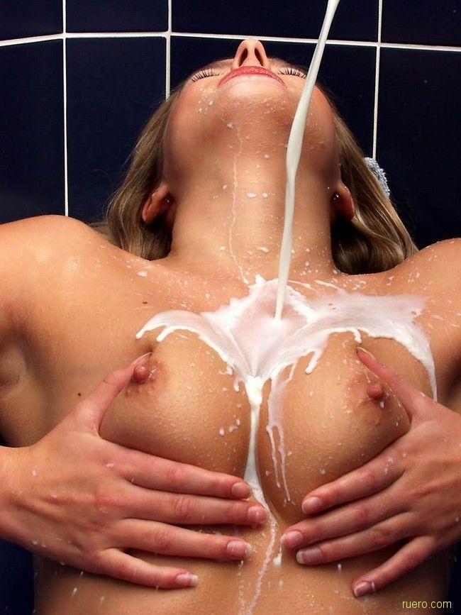 Дрочила парню порно выдавить молоко все