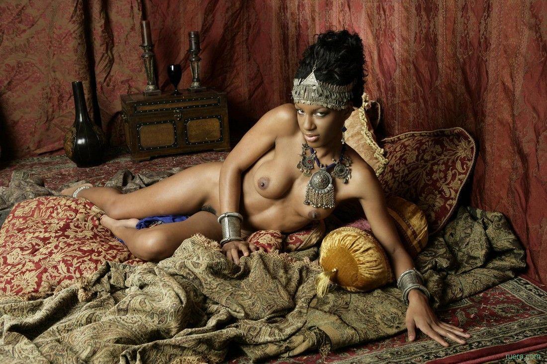 Sexy nude oriental women — photo 3