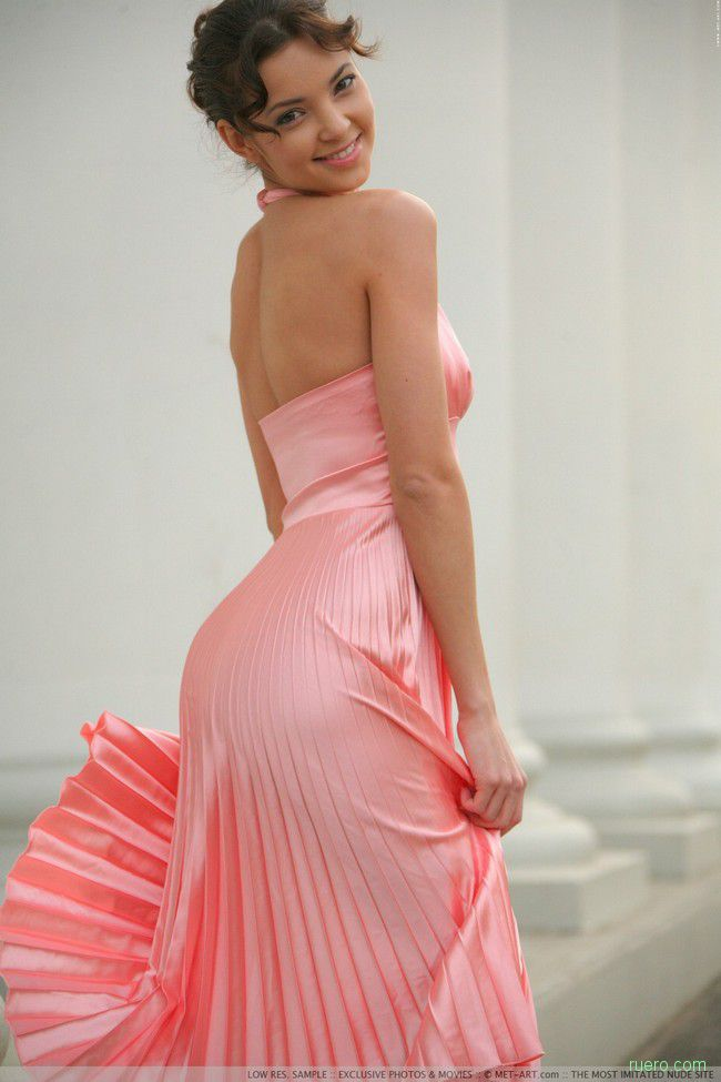 Melany: розовая элегантность