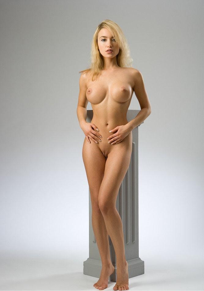 Найти голые женщины в афанасьева дрочат пляже фото