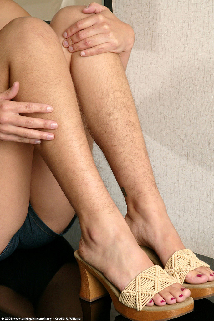 волосатые женские ноги видео онлайн говорить