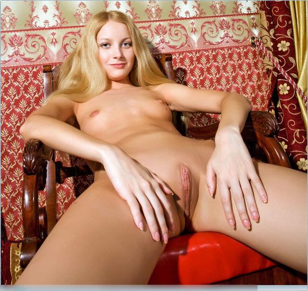 foto-erotika-pilotki-nogi-shlyuh-foto