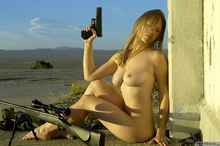 Фото голых военных девушек