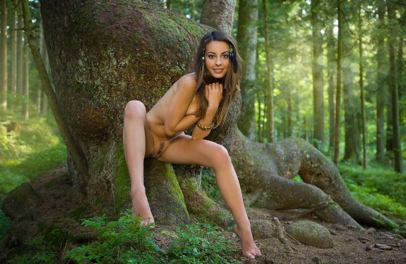 русские девки в лесу видео шпарит мамочку ванной