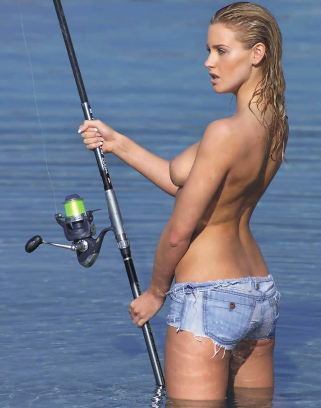 Myspace sexy girl fishing layout — photo 3