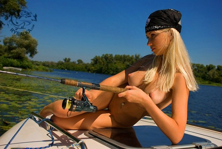 Naked tits fishing — photo 12